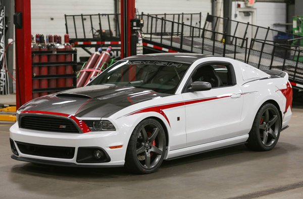 Foto 2014 Ford Mustang оt Roush Performance