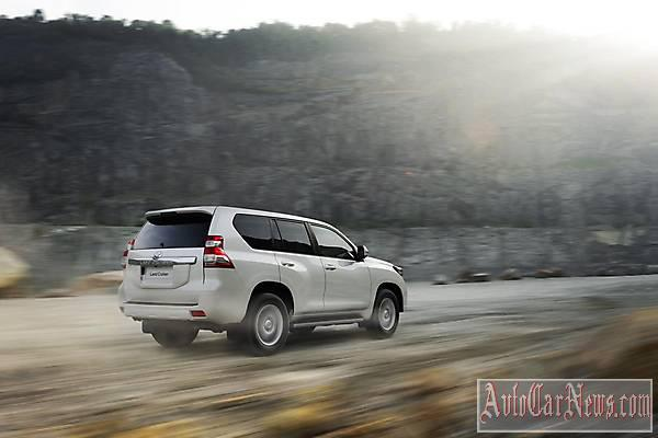 2014 Toyota Land Cruiser photo