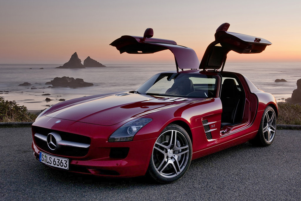 2014_Mercedes-Benz_SLS_AMG_Photo-09