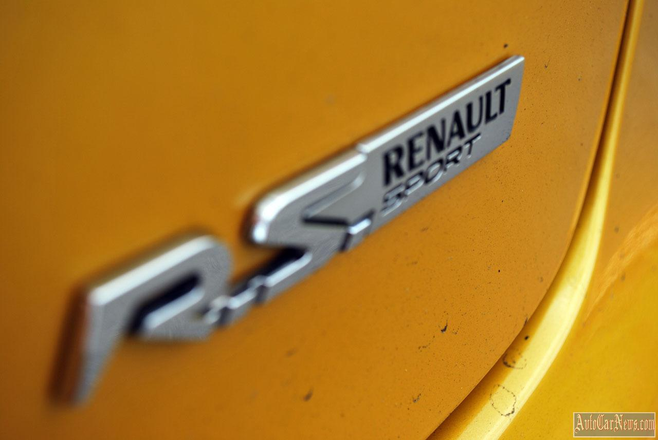 2014 Renault Clio RS200 Turbo Photos