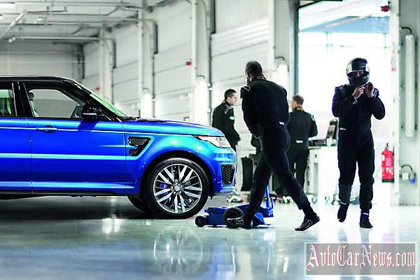 New 2015 Range Rover Sport SVR Photos