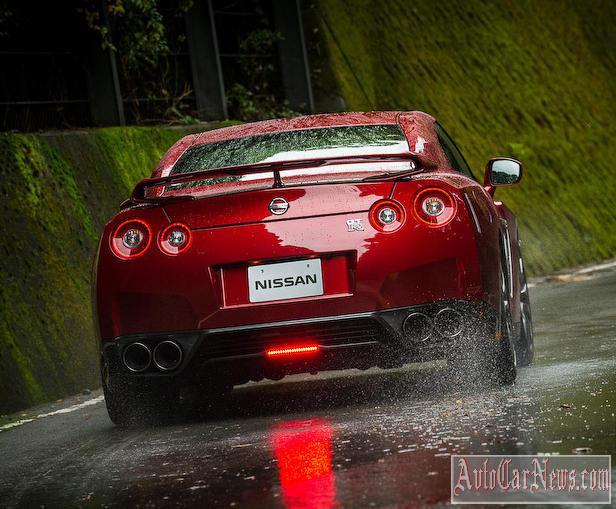 Foto new Nissan GT-R 2015