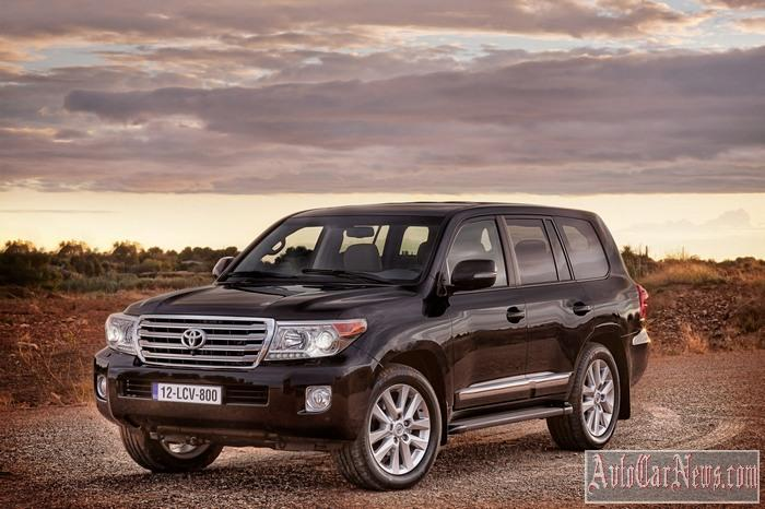 New Toyota Land Cruiser 200 2013 Photo