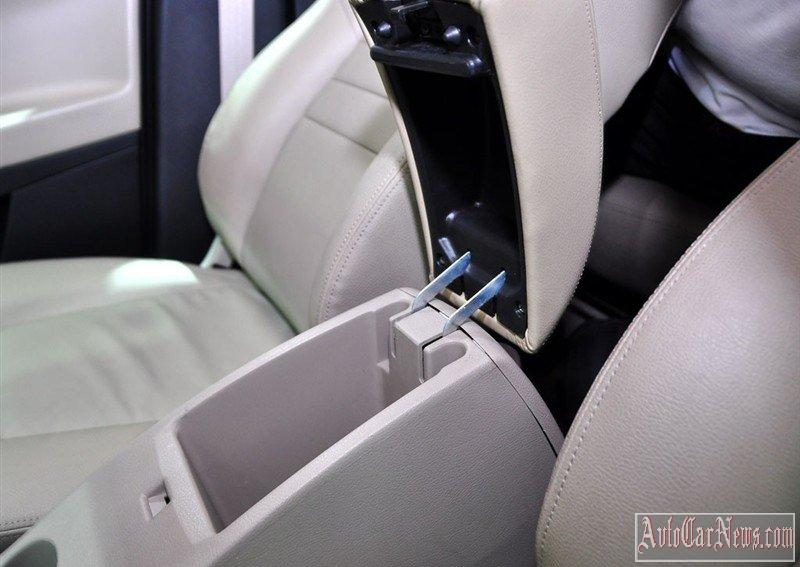 2014_geely_emgrand_x7_photo-01