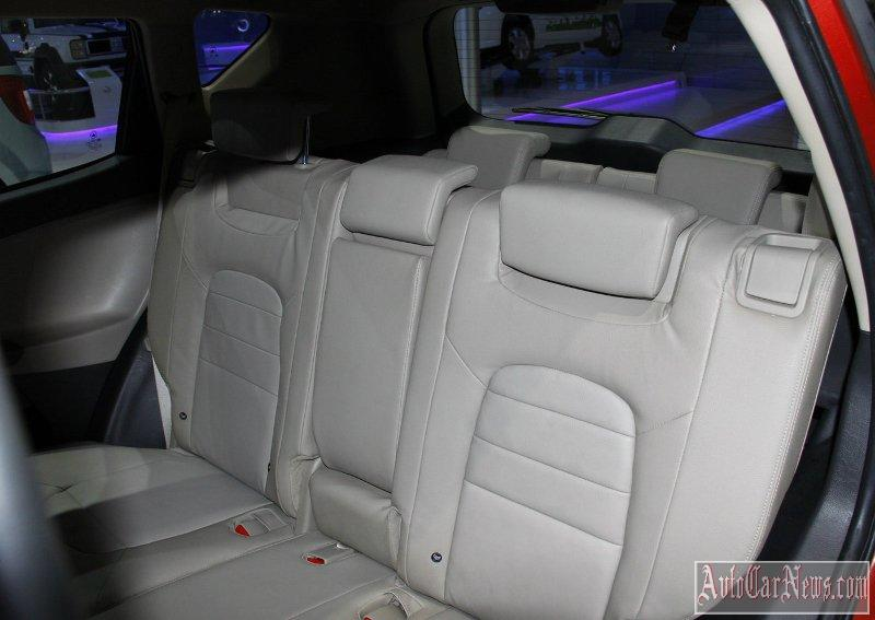 2014_geely_emgrand_x7_photo-12