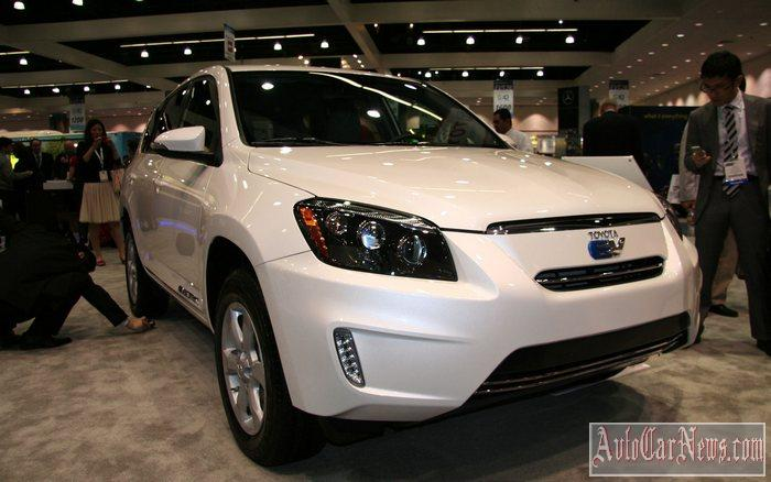 New 2014 Toyota RAV4 EV Photo