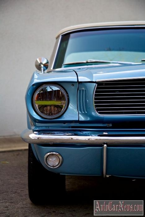 2015 Revology Mustang Replica Photo