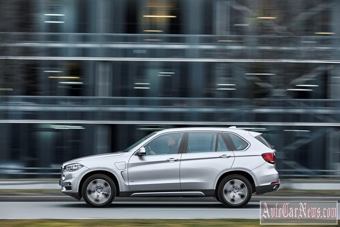 2016_BMW_X5_xDrive40e_Photo-28