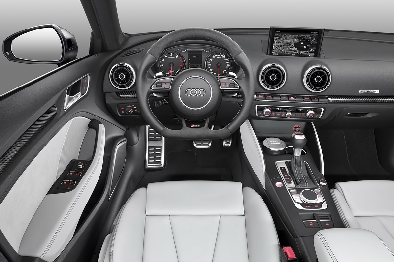 2015-Audi-RS3-Sportback-Photo-02