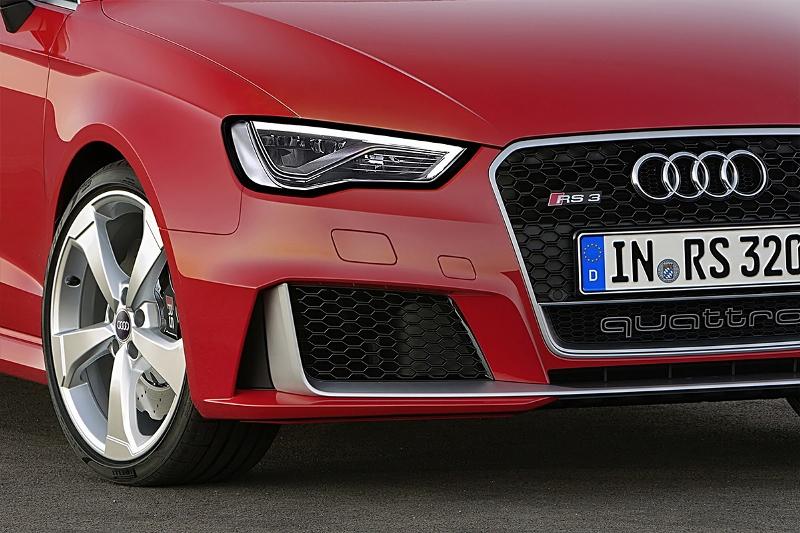 2015-Audi-RS3-Sportback-Photo-04