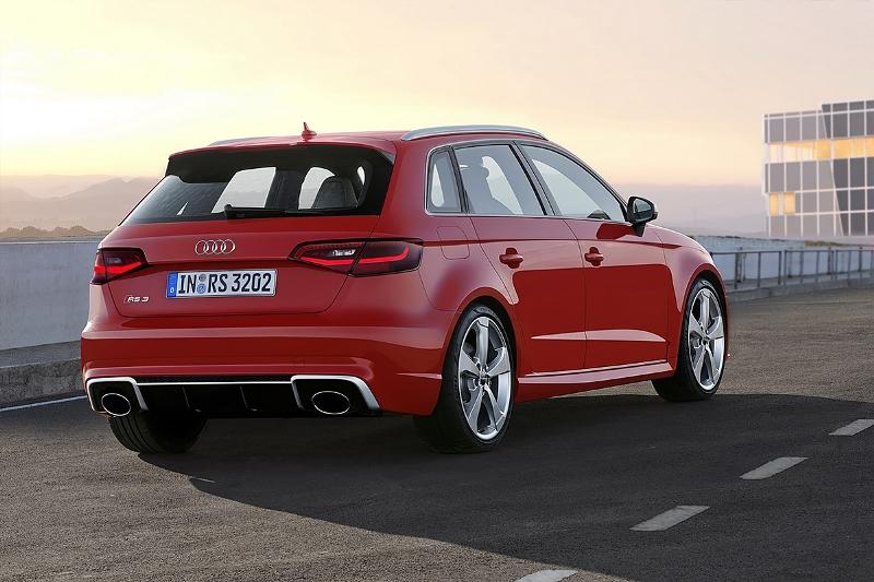 2015-Audi-RS3-Sportback-Photo-06