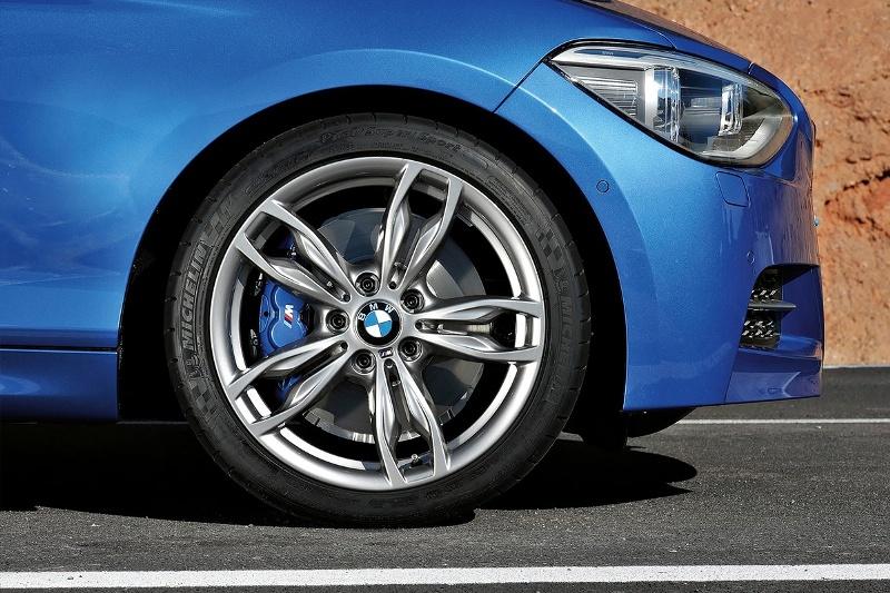 2015-BMW-M135-Photo-03