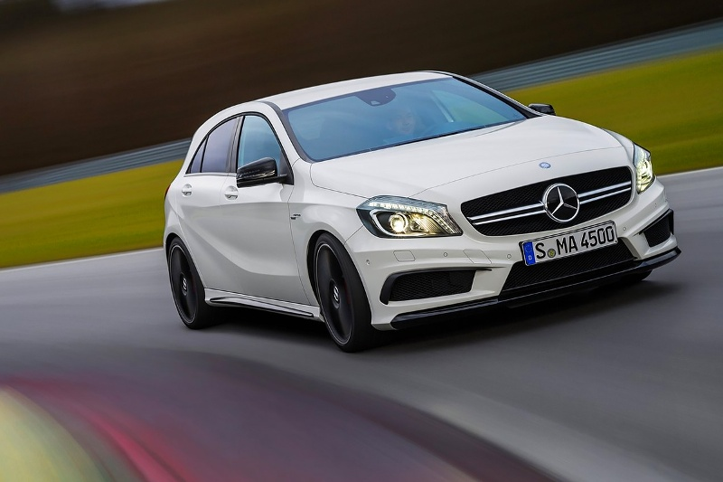 2015-Mercedes-Benz-A45-AMG-Photo-09