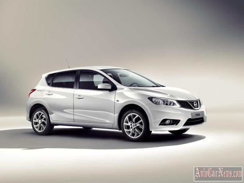2015_nissan_tiida_photo-10