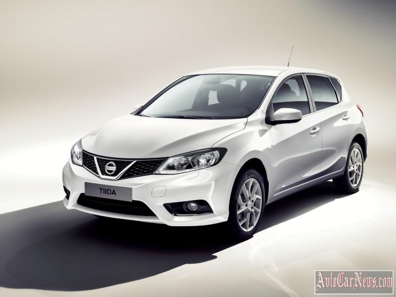 2015_nissan_tiida_photo-17