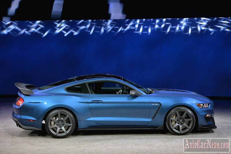 2016-shelby-gt350r-photo-13