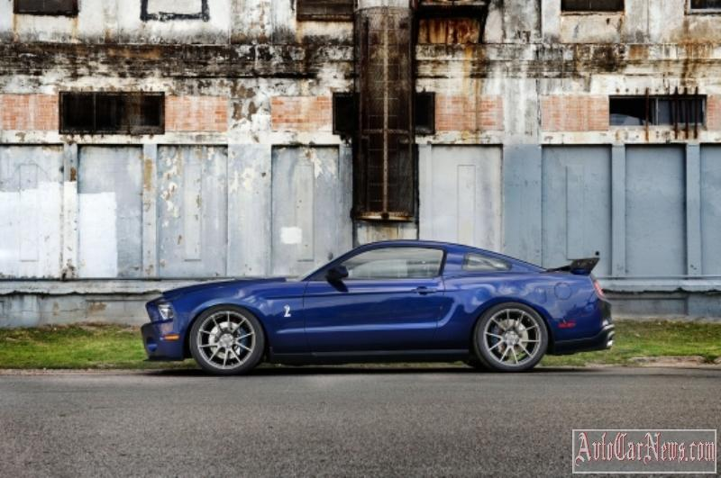 2011-shelby-mustang-gt500-04