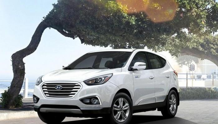 2015-Hyundai-Tuscon-Fuel-Cell-Photo-01