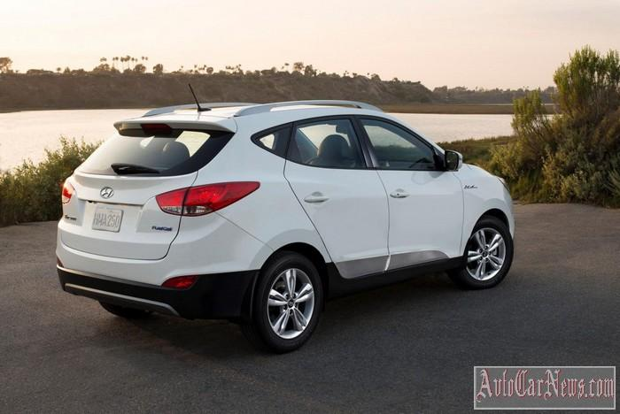 2015-Hyundai-Tuscon-Fuel-Cell-Photo-03