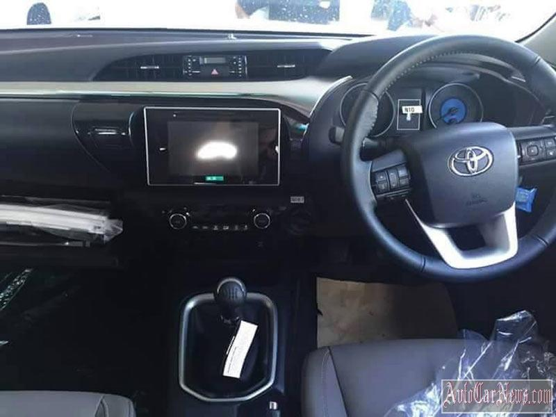 2016_toyota_hilux_photo-002