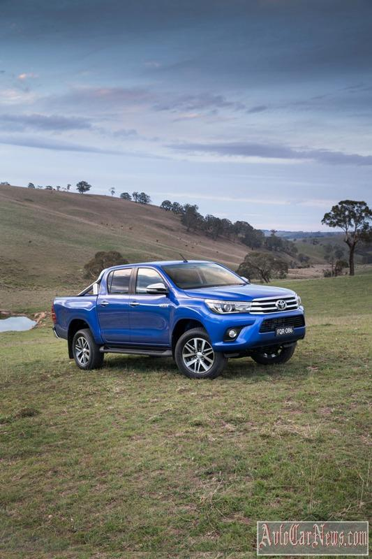 2016_toyota_hilux_photo-14