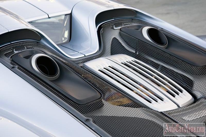 2015-porsche-918-spyder-fd-photo-13