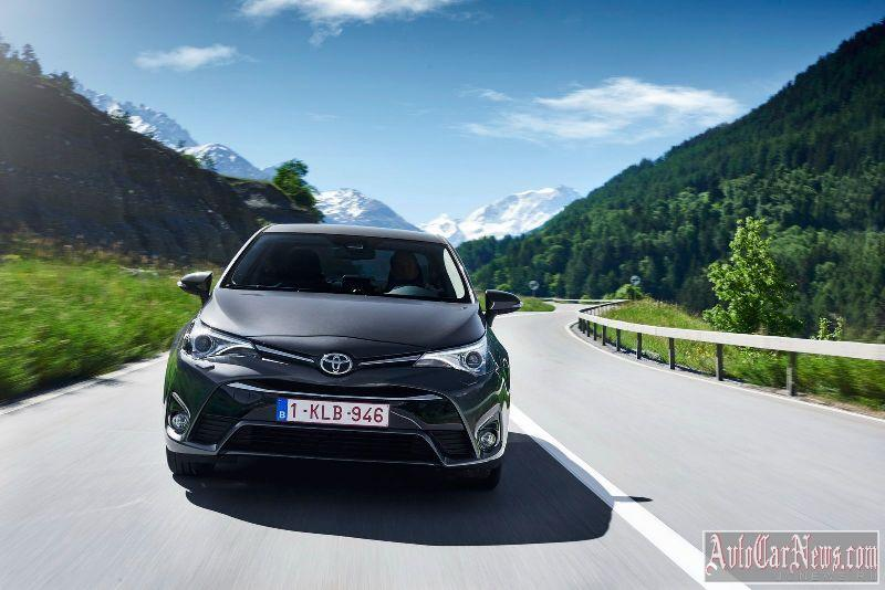 2015_toyota_avensis_photo-06