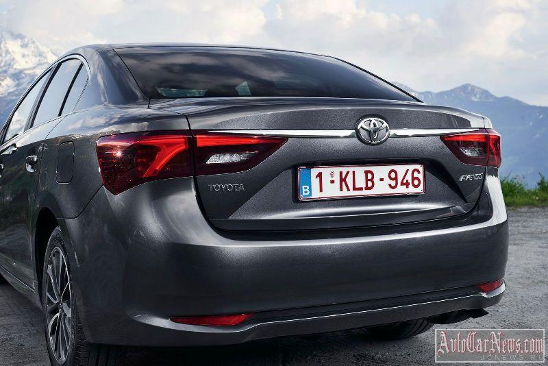 2015_toyota_avensis_photo-14