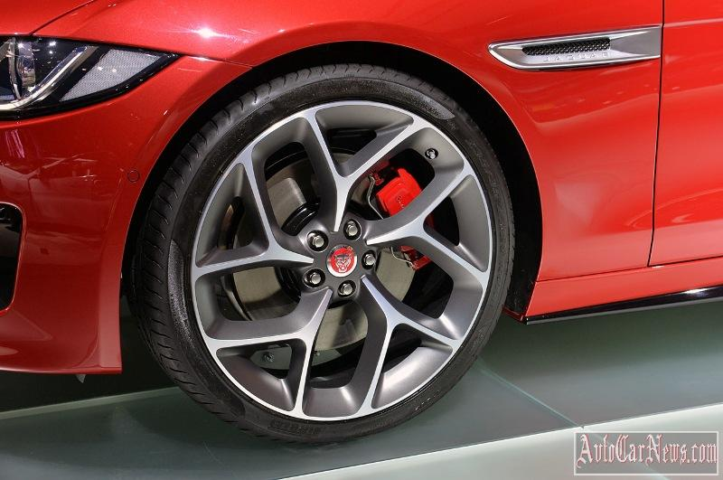 2016-jaguar-xe-photo-03