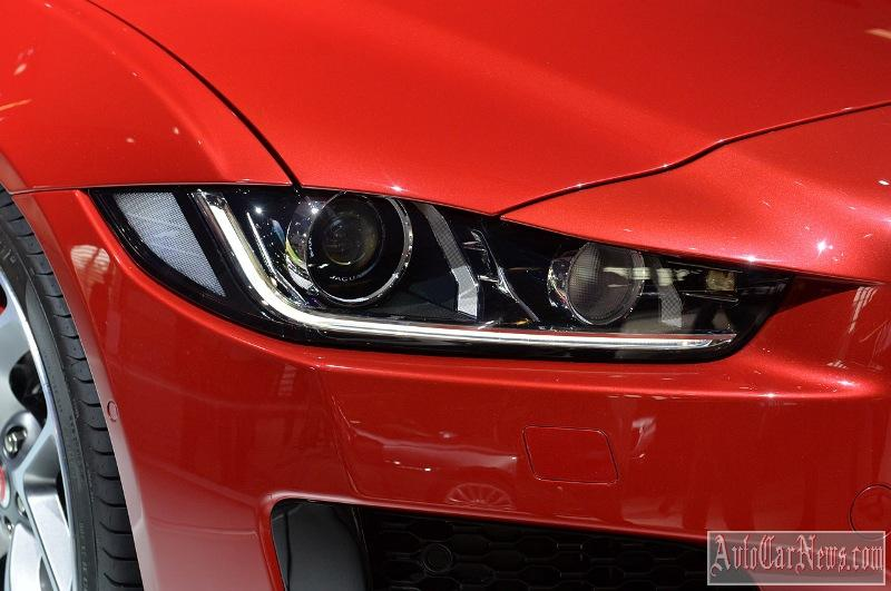 2016-jaguar-xe-photo-04