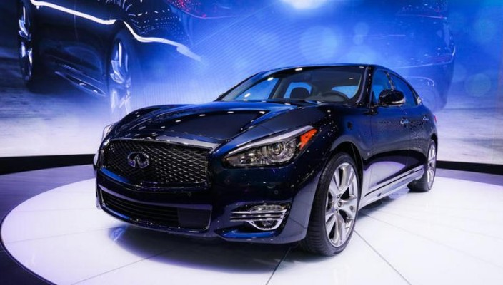 2015_infinniti_q70_photo-00
