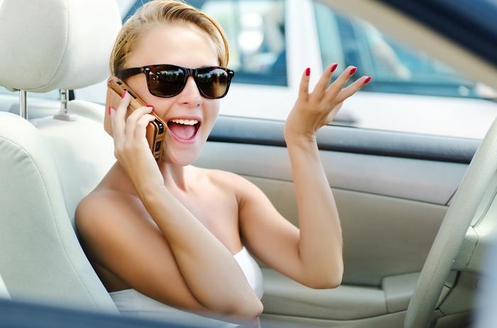 razgovor-po-telefonu-za-rulem-soprovozhdaetsya-teper-vysokim-shtrafom-01
