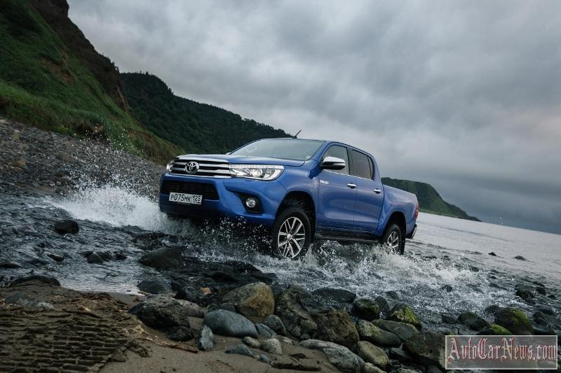 2015_toyota_hilux_photo-04