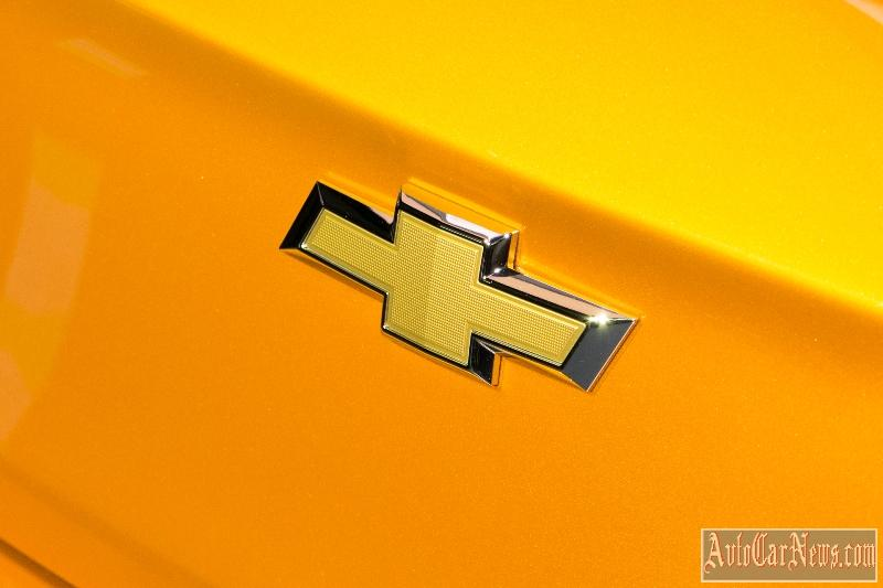 new_chevy_cruze_hatch_2017_photo-08