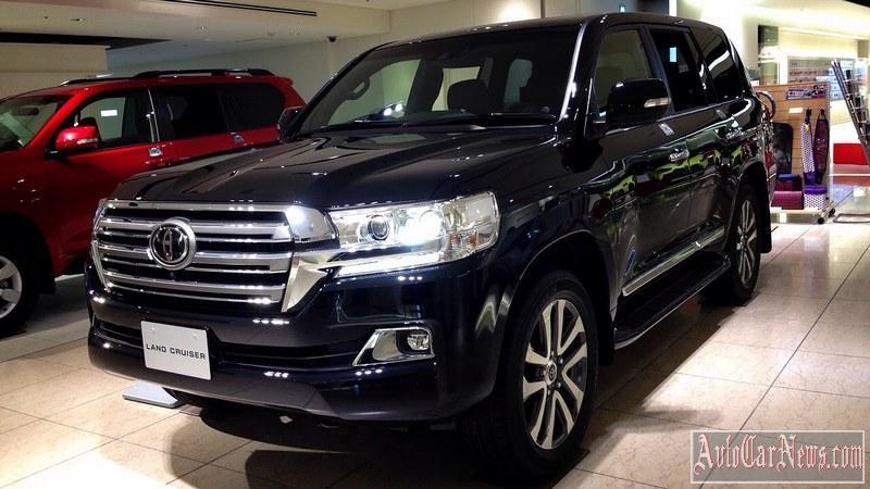 2016-Toyota-Land-Cruiser-200-hero-gallery-04