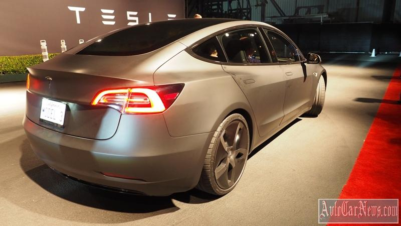 new_tesla_model_3_photo-14