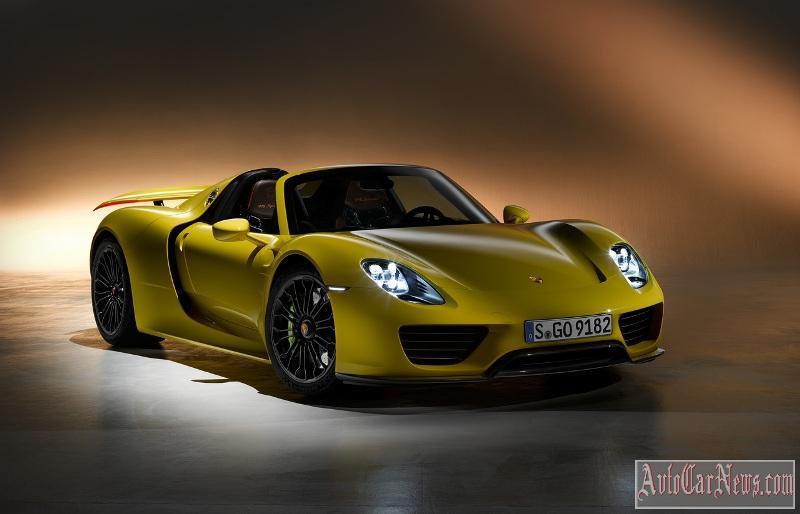 Максимальная скорость Porsche 918 Spyder - 340 км/ч - выглядит не слишком впечатляюще на фоне достижений Veyron. За это до сотни этот автомобиль разгоняется шустрее...