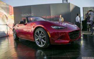 Новенькая модель roadstera Mazda MX-5 2015 модельного года