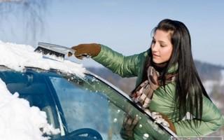 Советы новичкам – 11 вещей, которые необходимо возить в машине зимой