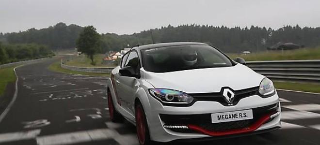 Заряженный хэтчбек Renault Megane RS275 Trophy-R 2014
