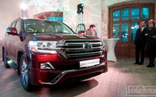 2016 Toyota Land Cruiser 200 получил пневмоподвеску – названа цена