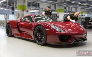Компания Porsche собрала последнюю гибридную модель 918 Spyder