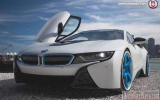 Спорткар BMW i8 поставили на стильные автодиски модели HRE Wheels