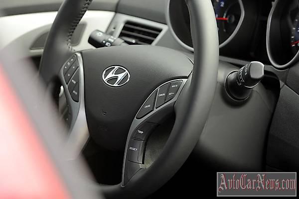 New Hyundai Elantra Coupe 2014 Photo