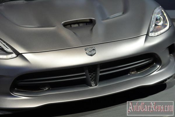 2014 SRT Viper TA Anodized Carbon Special Edition New-York 2014 photo