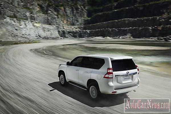 2014 Toyota Land Cruiser photo