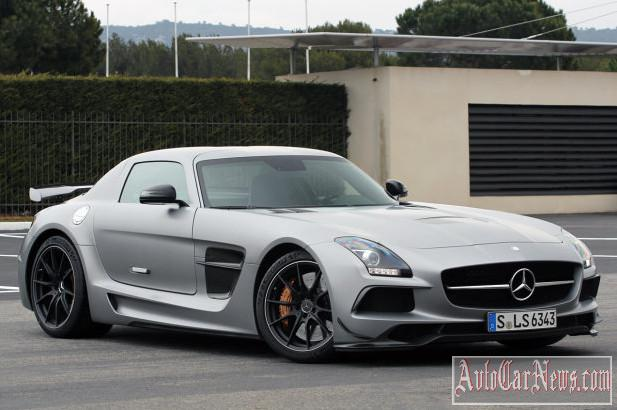 2014 Mercedes-Benz SLS AMG GT Black Series First Drive photo