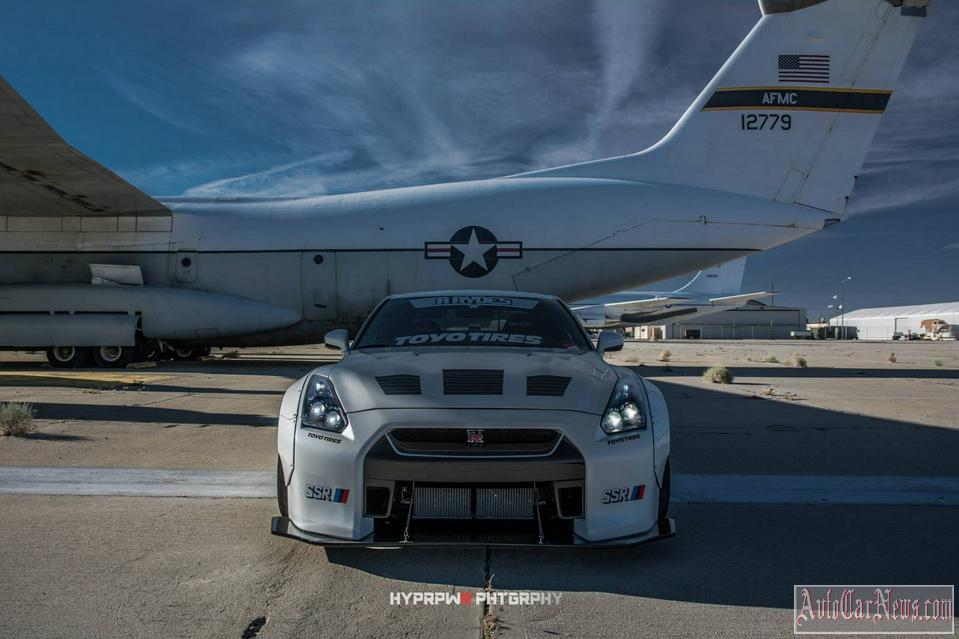 2014 Nissan GT-R R35 Liberty Walk Photo