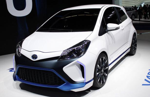 2014 Toyota Yaris Hybrid R Frankfurt photo