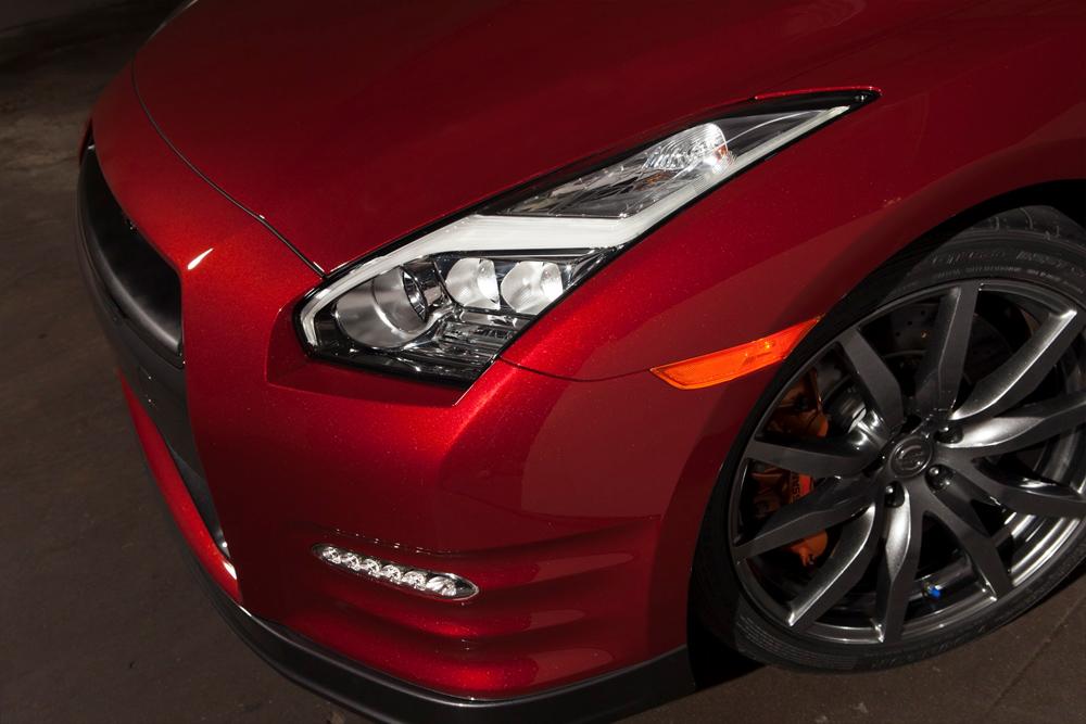 Nissan GT-R 2014 Photo